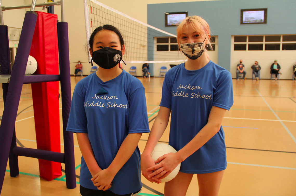Hlee Yang and Abby Steen at the districtwide middle school volleyball tournament